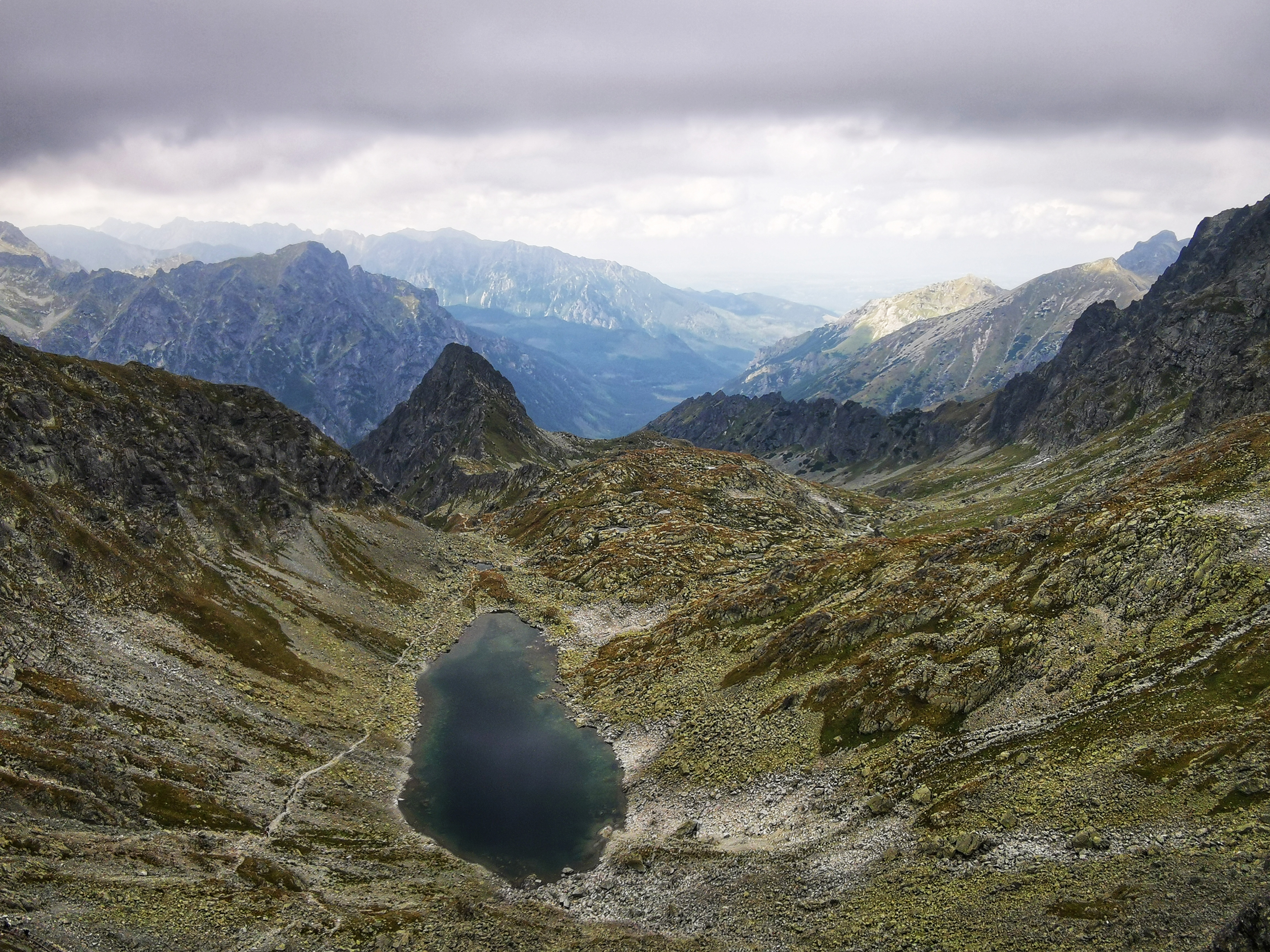 Zamrznuté pleso mountain lake.